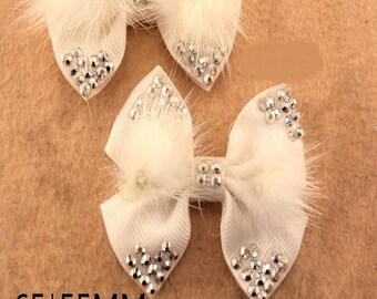 2 lovely white bow and matching soft fur 65 * 55mm