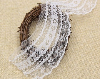 """98cm lace white """"wave"""" 7cm wide"""