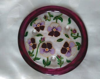 """MODEL """"THOUGHTS"""" HAND PAINTED GLASS TRIVET"""