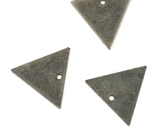 5 charms triangle brass 14 mm