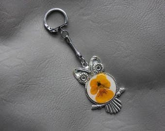 Keychain resin and dried flower Pansy yellow OWL