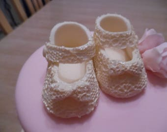 Beautiful edible fondant baby shoe cake topper cake decoration