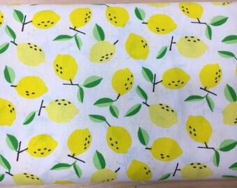 Tissu de coton imprimé citron fond blanc 150 cm largeur