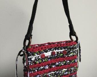 Red crochet woven shoulder bag