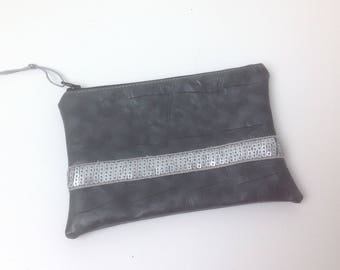 FLAT clutch in faux leather and GLITTER