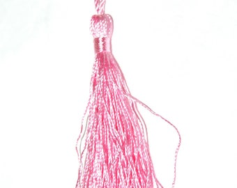 Light pink cotton tassel twisted 12 cm x 1.5 cm.