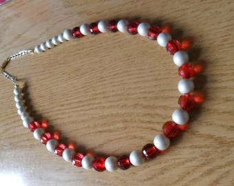 White and red short necklace