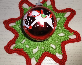 RED STAR AND GREEN MADE WITH WOOL CROCHET - NEW