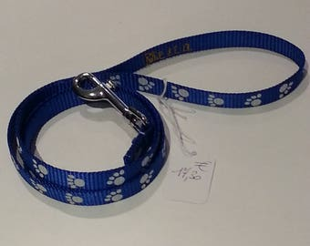 Blue and white nylon leash for dog or cat