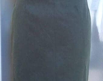 Small basic pinch khaki skirt