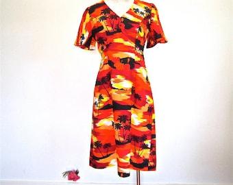 M 60s 70s Tiki Island Dress Graphic Print Yellow Red Floral Hawaii Palm Trees Hut Beach Sail Boat Medium