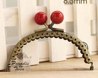 1 x 8.5 cm red bead ring with fancy bag clasp