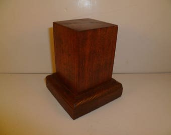 Made with beech and oak schc7 for figurines square wood base