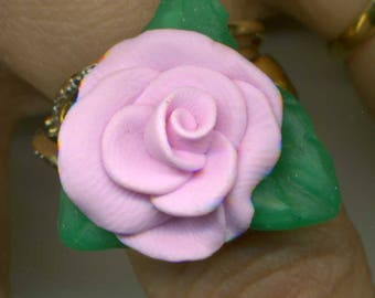 -Adjustable ring with flower Pale pink - unique - cabochon 30%