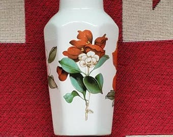 "Worcester Palissy ""Royale Collection""Small Bud Vase!"