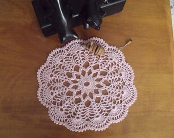 crochet, light pink doily, diameter 22 cm