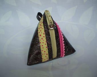 Brown leatherette pyramidal coin purse