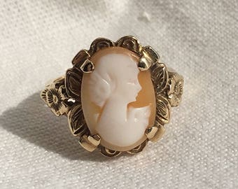 Cameo ring authentic vintage 10k yellow gold shell cameo