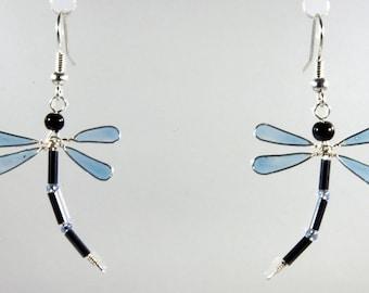 Boucles d'oreilles libellule bleu translucide / noir