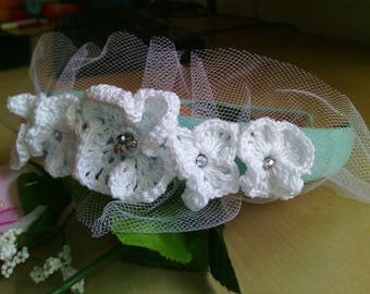 flower girl headband with crocheted flowers white and green-hair clip-flower wreath