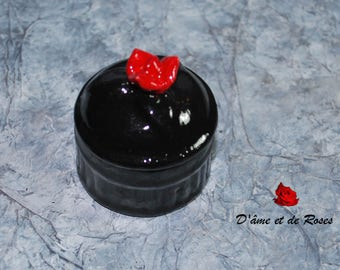 Box with a red rose black baroque and photo of a painting in resin