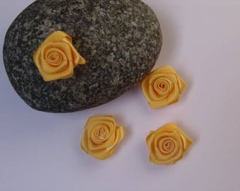 yellow rose satin - 2.50 cm in diameter