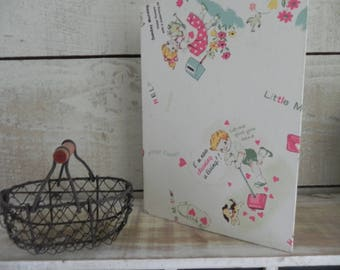 Book themed for the first moments of baby's life