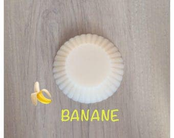 Wax fondant, banana shaped tart
