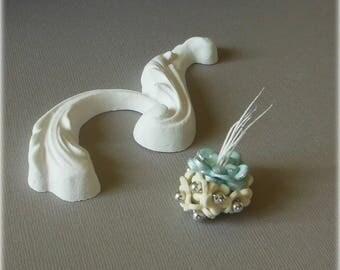 Petite composition en porcelaine froide