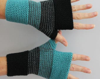 men gloves knitted of Turquoise black and charcoal gray