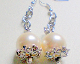Earrings ivory pearls and chain