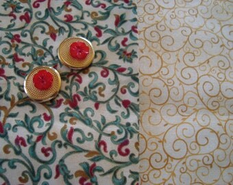 Coordinating fabrics printed coupons Arabesque - Red Green Gold on beige background - 4 novelty buttons