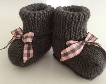 Baby elephant and Brown and pink Gingham Bow Brown