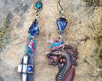 mysterious Gothic strand of patinated dissociated earrings