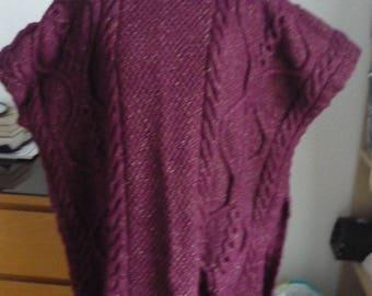 Stitch Irish hand-knitted poncho dark red (bordeaux)