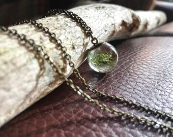 Necklace resin ball with real plant