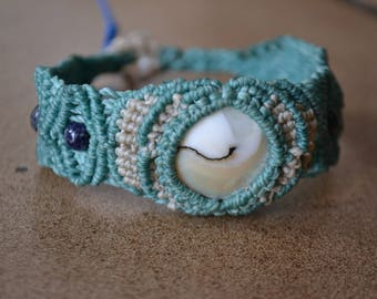 Macrame bracelet and the Sea Dragon stone