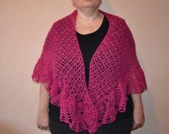 "A stunning shawl Fuchsia crochet trapezoidal, very original shape with a ""pineapple border"