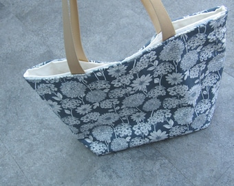 Grey flower design shoulder bag, shopping bag, gym bag, everyday bag!