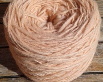Yarn 100% wool, natural colouring, salmon, soft and squishy.
