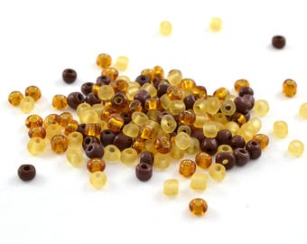 10 gr large yellow Browns 4mm glass seed beads / MPERRO004