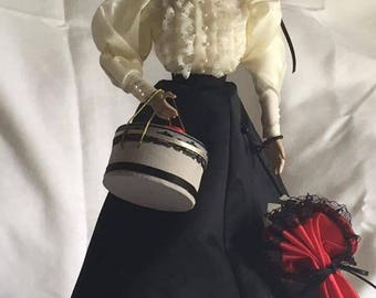 """Knowles """"The Glamour Of The Gibson Girl"""" Porcelain Doll"""