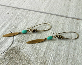 Bronze earring, drop mini enameled turquoise and pearls