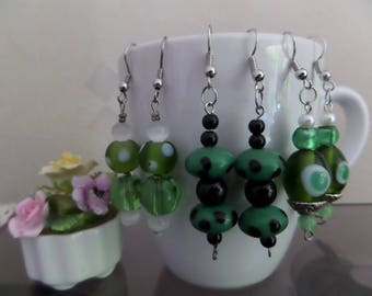 Set of 3 pairs of earrings green glass beads.