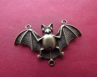 Bronze connector metal bat charm
