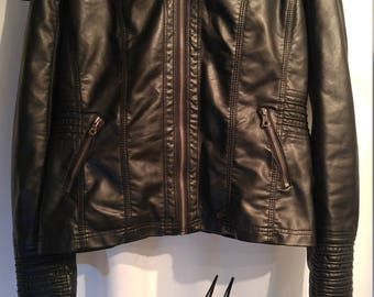 Stylish & Warm Women's Johnny Leather Jacket with Hood (XL)