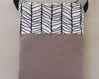 Suede to wear Crossbody pouch