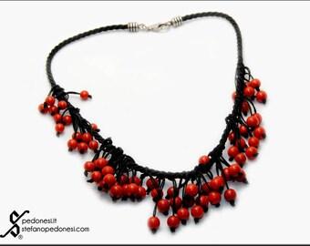 Collana cordino nero e corallo rosso