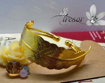 Gold feather bracelet, adjustable