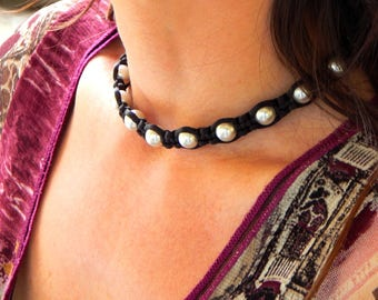 The Choker necklace and bracelet beads Pearl gray and black satin